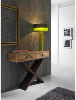 Consola recibidor moderna de madera, color nogal natural y patas color wengue.