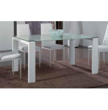 Mesa de comedor moderna con patas en blanco brillo y for Mesa comedor blanco brillo