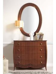 Mueble cómoda clásica de madera con cuatro cajones en cerezo, nogal o lacado blanco.