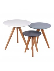 Set tres mesas de centro redondas auxiliares blanco, azúl y gris estilo nórdico.