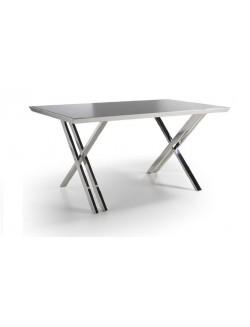 Mesa de despacho con tapa de cristal templado negro y estructura de acero inoxidable cromado.