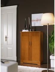 Zapatero de madera de cerezo con dos puertas batientes y un cajón interior.