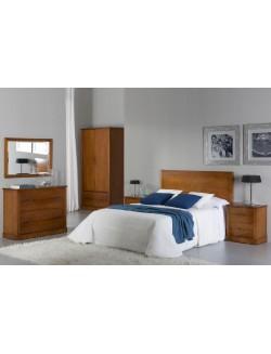 Dormitorio cerezo con cabecero para cama de 150 cm, dos mesillas, cómoda y espejo.
